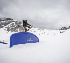 _web_Dachstein__16-04-2016__action__sb__unknown_rider__Roland_Haschka_QParks__039