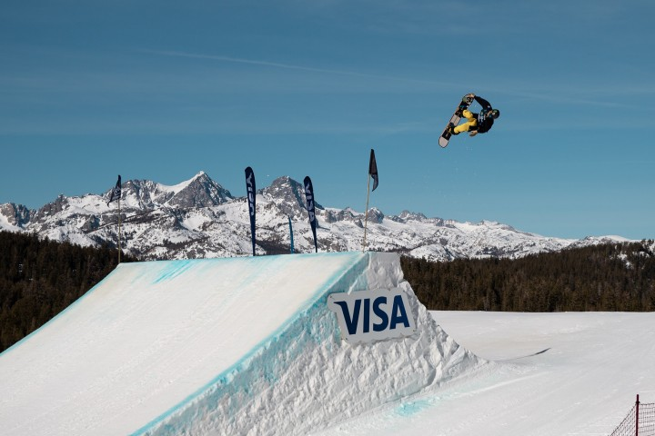 Jamie Anderson & Dusty Henricksen won slopestyle World Cup stop in Mammoth!